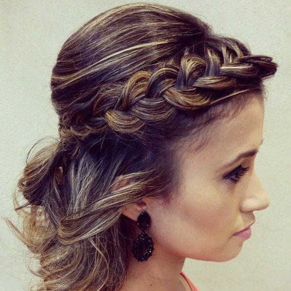 причёски с косичками на средние волосы