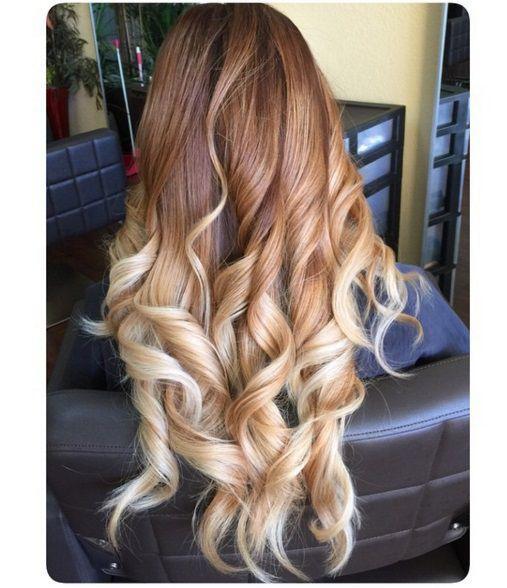 длинные волосы с крупными волнистыми локонами