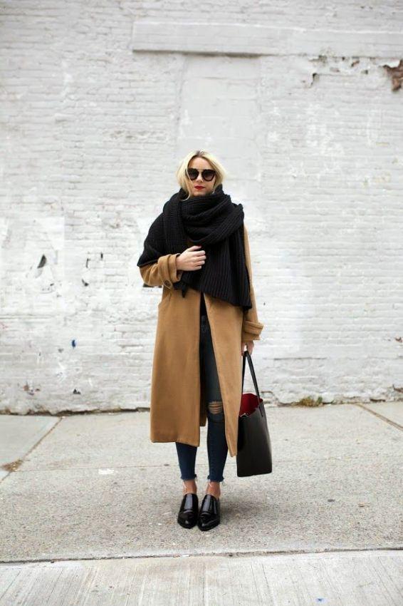 широкий длинный шарф с пальто
