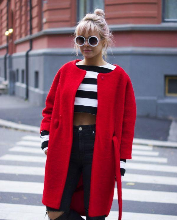 молодежное красное пальто кокон фото