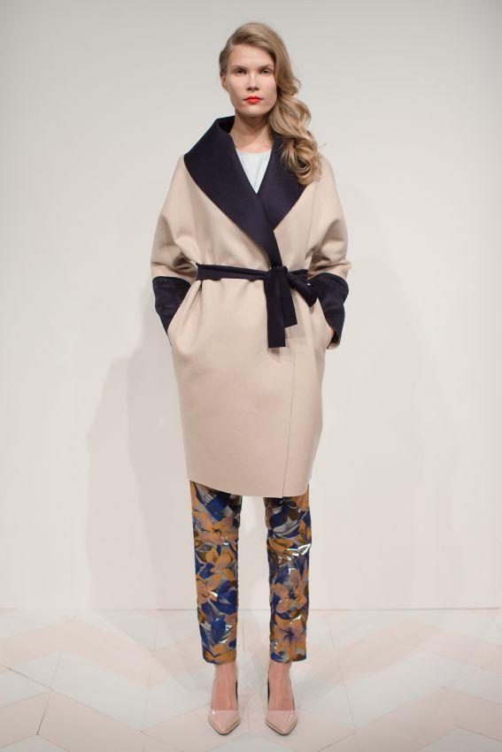 бежевое пальто халат с воротником фото