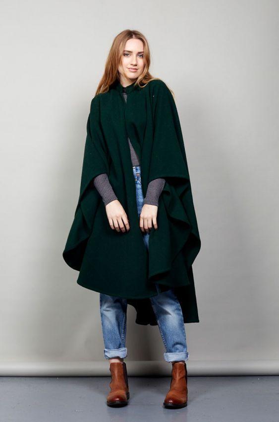 зеленое женское пальто кейп