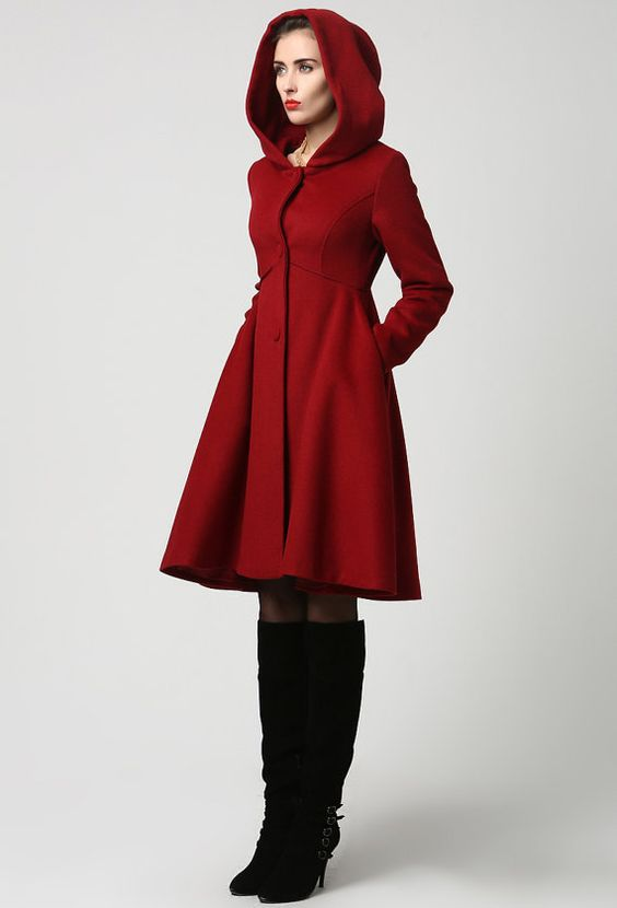 красные женские пальто с капюшоном фото