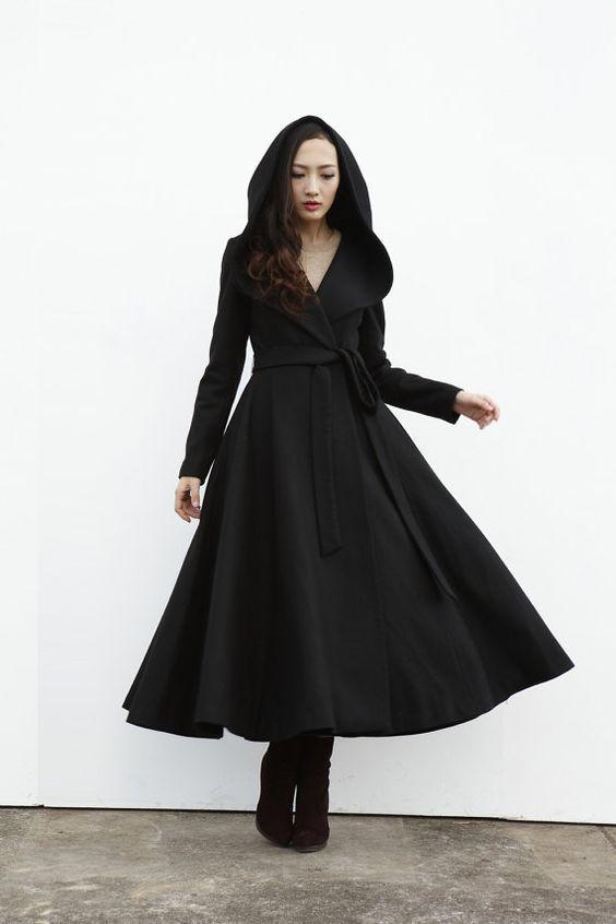женское осеннее пальто с капюшоном под пояс
