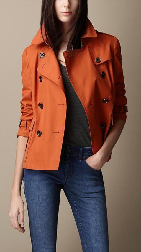 двубортное пальто тренч на пуговицах фото