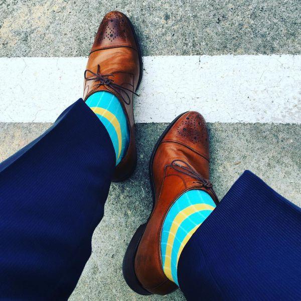стильные носки для мужчин под костюм