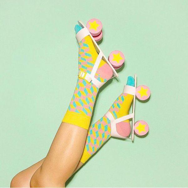 желтые носки с прямоугольниками