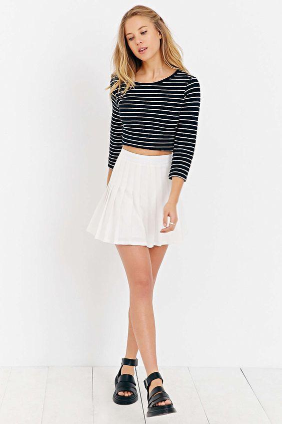 летняя короткая белая юбка в складку фото