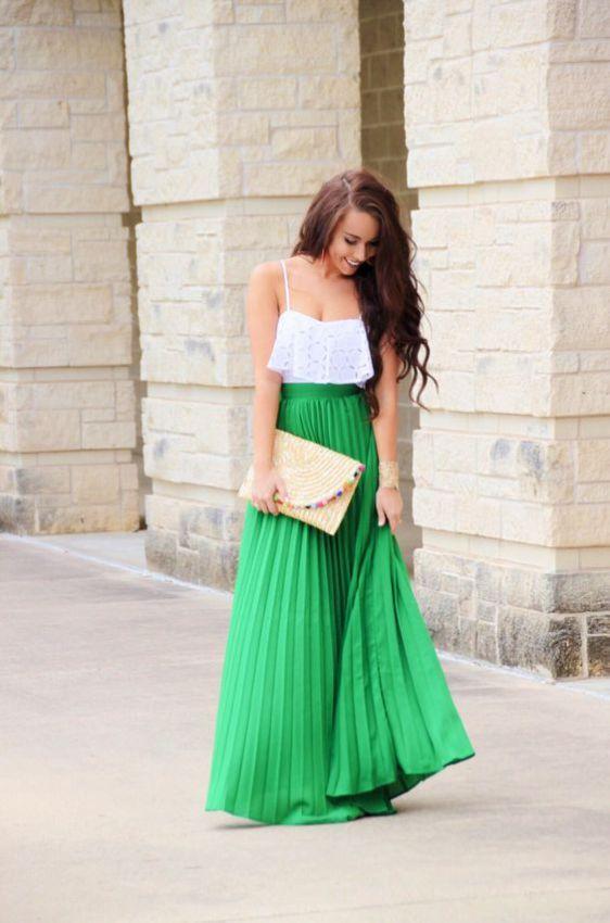 зеленая длинная плиссированная юбка фото образ