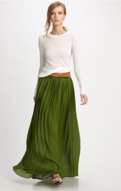 с чем носить длинную плиссированную юбку - белый верх и ремень