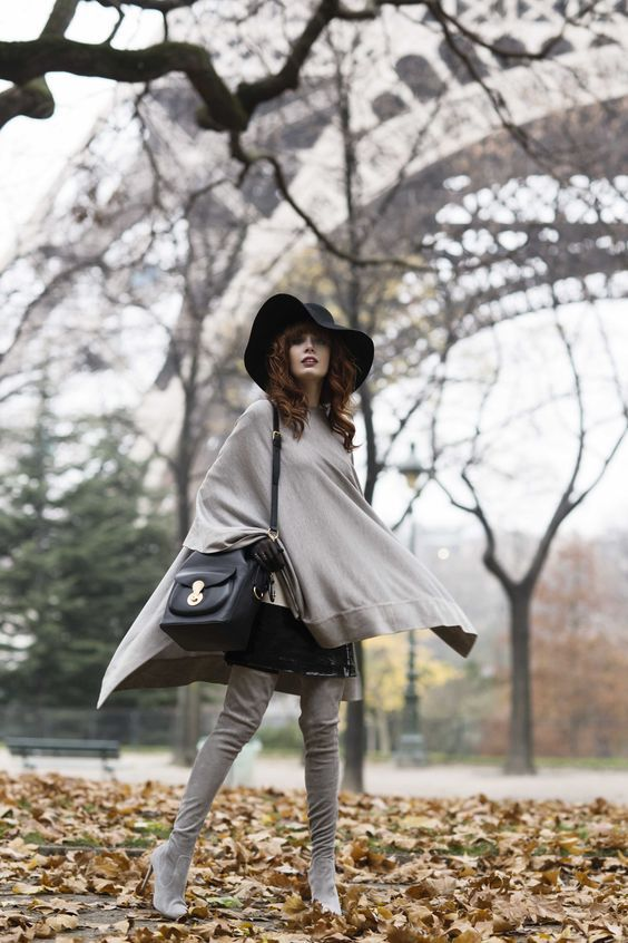 пальто пончо - лук со шляпой
