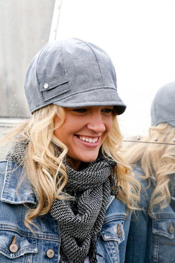 стильная женская жокейская шапка