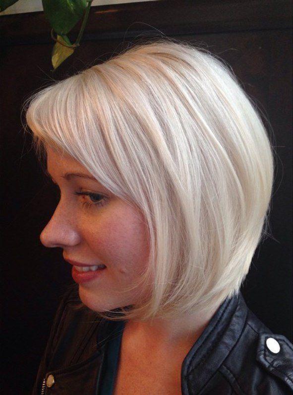 стрижка на средние волосы с косой челкой