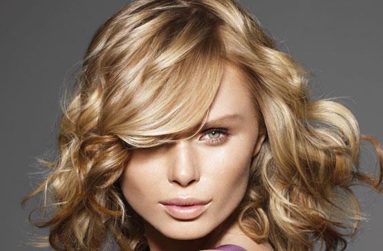 модные светлые оттенки волос для серых глаз