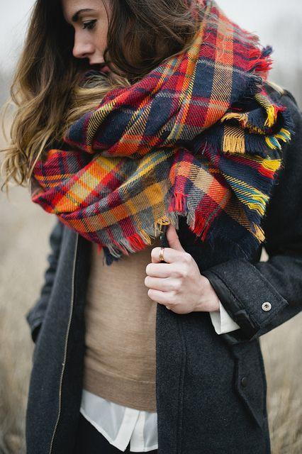 шарф восьмерка под пальто фото