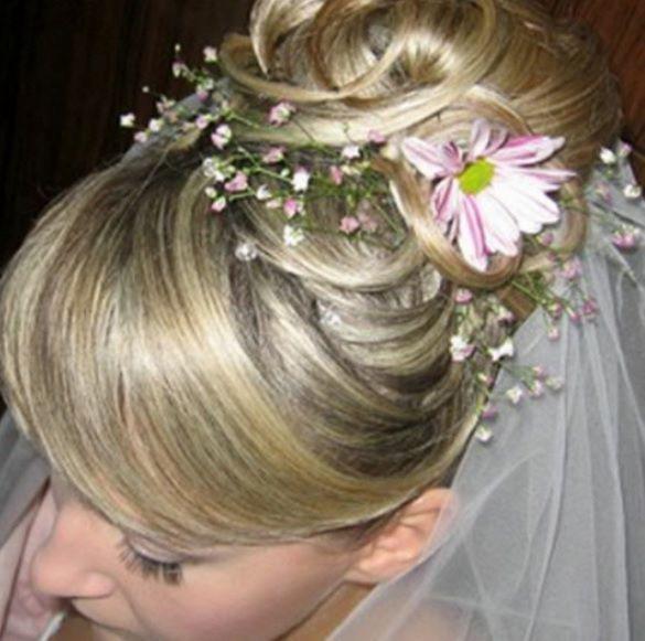 свадебная прическа на круглое лицо на средние волосы