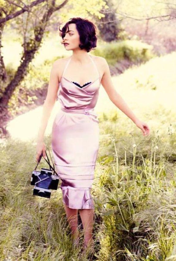 летнее платье футляр на бретельках