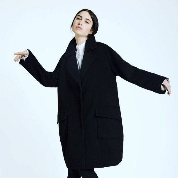 черное пальто оверсайз