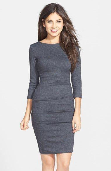 серое платье футляр с рукавом три четверти фото