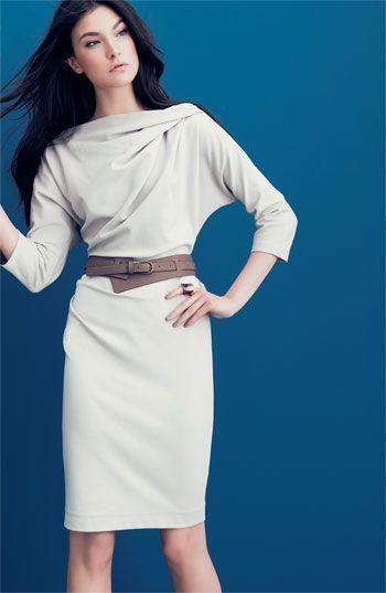 белое платье футляр с воротником
