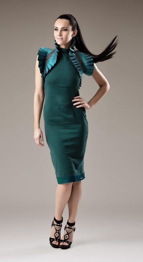 платье футляр с воротником