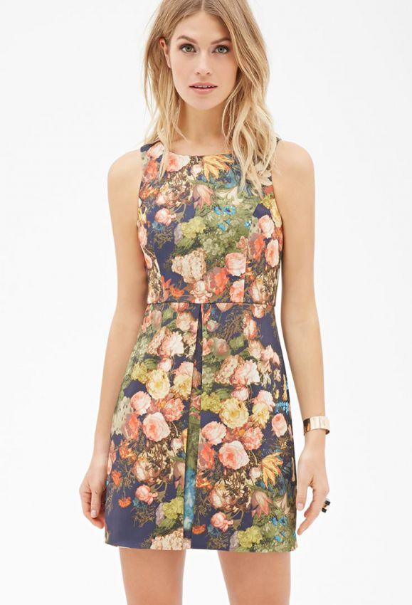 летнее платье футляр с цветочным принтом