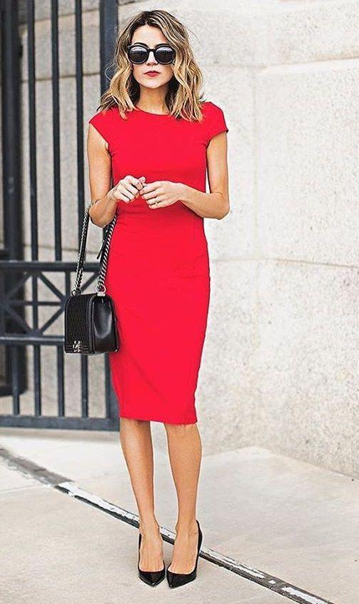 красное офисное платье футляр