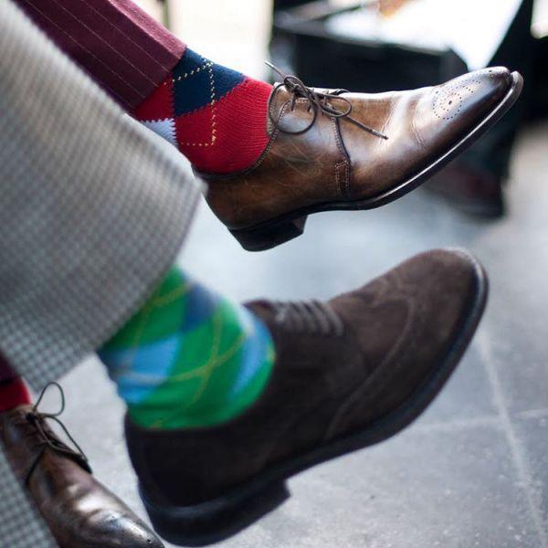 модные пары носков с ромбами