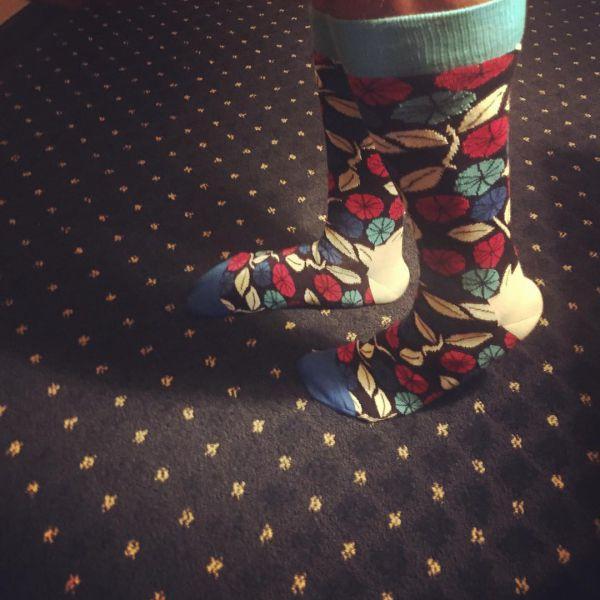 носки с листочками и цветочками