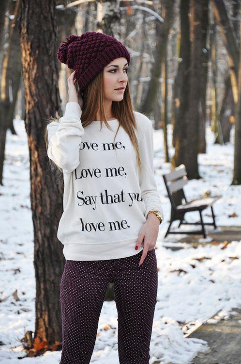 образ женский свитшот с надписями и шапка