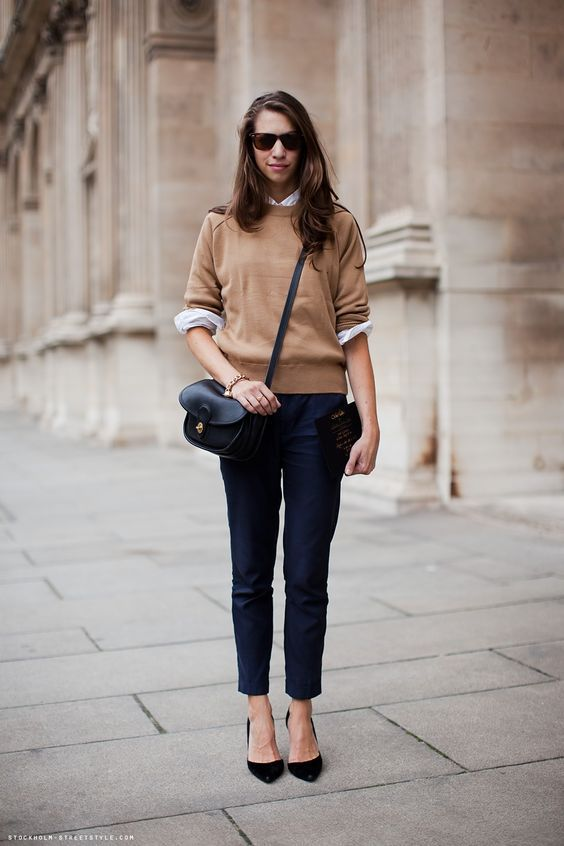 коричневый свитшот и сумка
