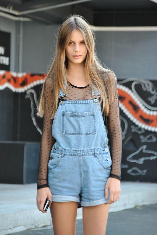 короткий джинсовый летний комбинезон для девушек фото