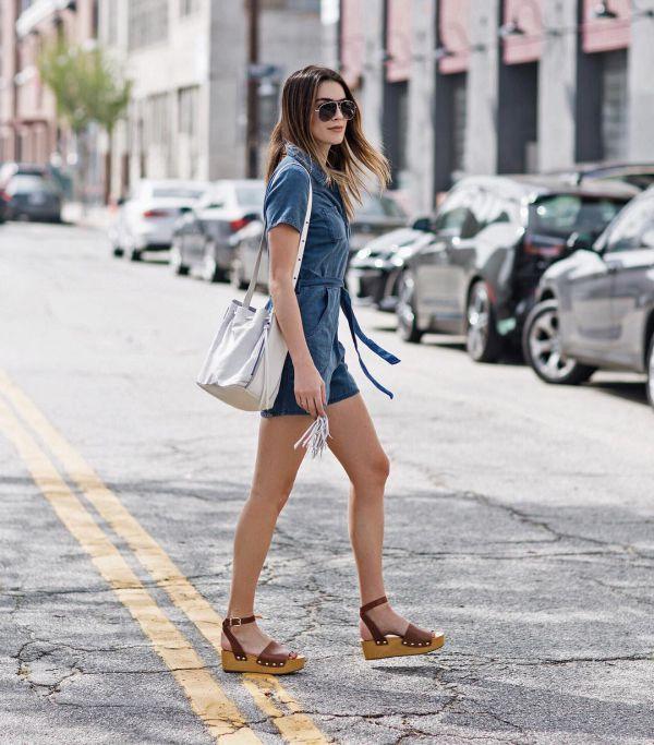 с чем носить джинсовый летний комбинезон фото