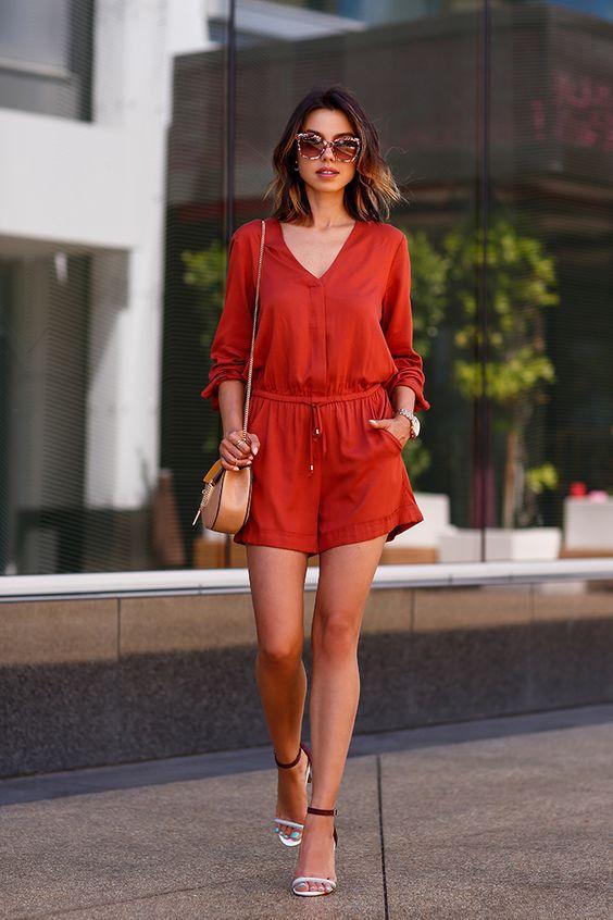 стильный летний женский комбинезон шортами фото
