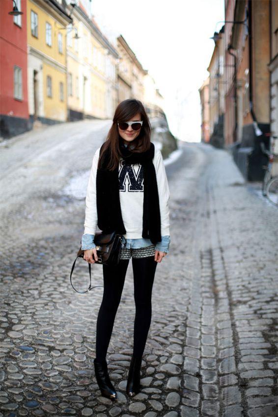 модный белый свитшот с шортами
