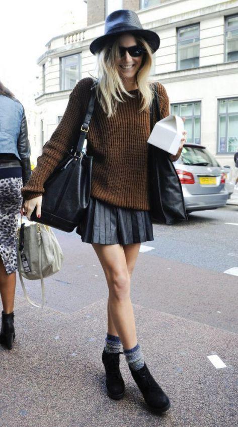 с чем носить плиссированную юбку осенью - свитер, шляпа