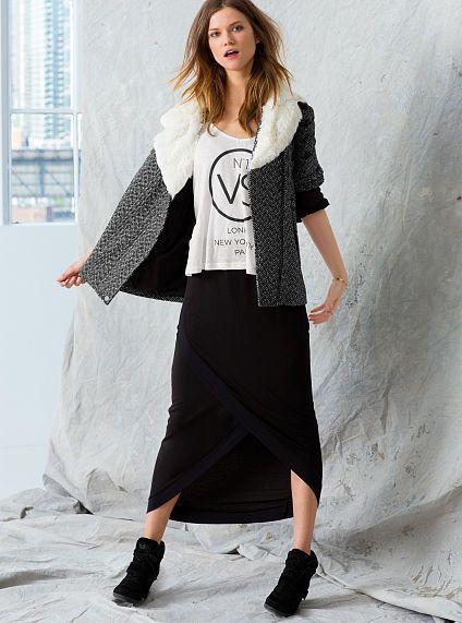 черная юбка в форме тюльпан с запахом