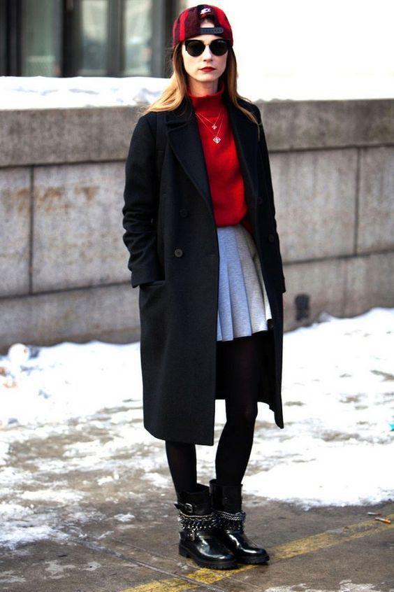 зимний лук с юбкой-плиссе - пальто, свитер, кепка