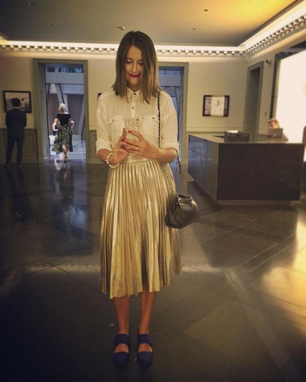 стильные образы с плиссированной юбкой и рубашкой фото