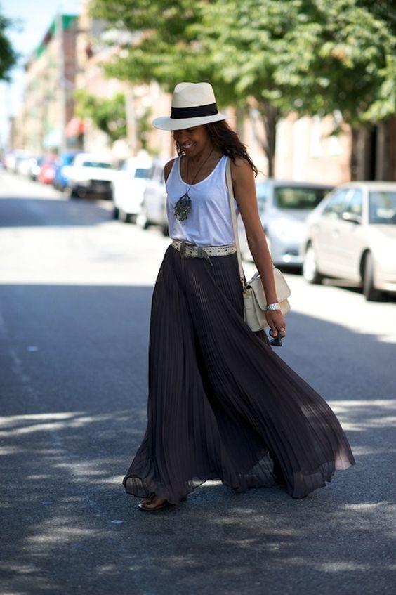 с чем носить длинную шифоновую плиссированную юбку - с майкой и шляпой