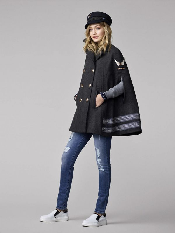молодежное пальто кейп с джинсами