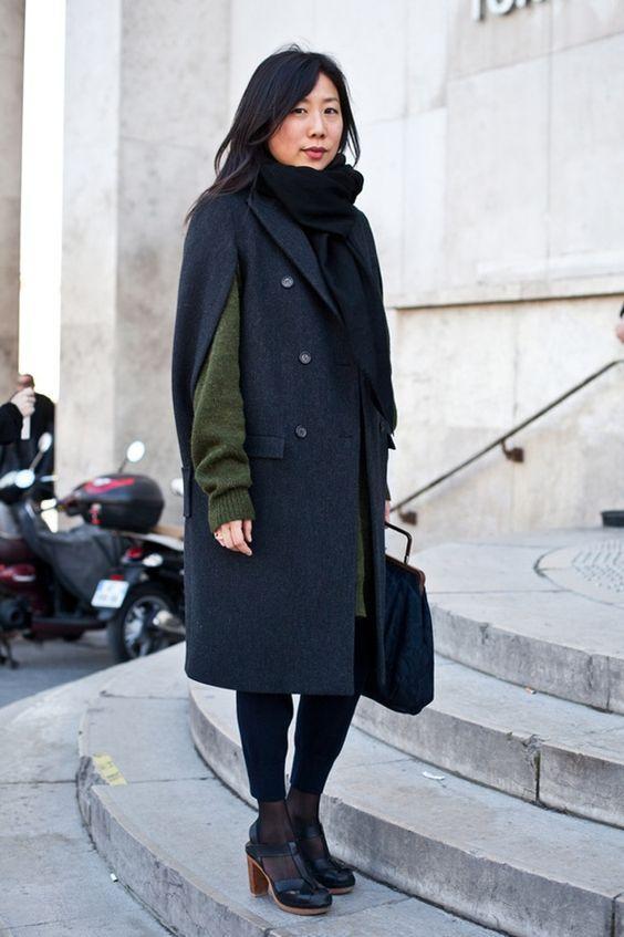 модное прямое пальто без рукавов на осень-зиму